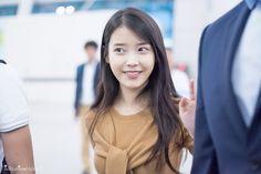 IU STUDIO :: 150828 인천공항 출국 아이유 직찍 by 미스터신iu