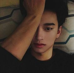29 Ideas For Makeup Korean Style Ulzzang Seoul Cute Asian Guys, Cute Korean Boys, Asian Boys, Cute Guys, Hot Asian Men, Korean Boys Ulzzang, Ulzzang Boy, Korean Men, Tattooed Couples Photography
