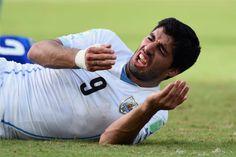 Punição de Suárez é a maior da FIFA por agressão a jogadores   #Copa, #Copa2014, #CopaDoMundo, #FIFA, #GiorgioChiellini, #LuisSuárez, #Mordida, #Punição, #RenataMartins, #Suárez, #Suspenso