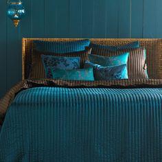 peacock decor bedroom on pinterest purple teal bedroom peacock room