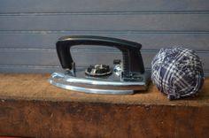 $27.90  1957 Working ElectricTravel Iron Never Used Knapp Monarch Very Sleek Design St Louis Original Box Retro Home Decor I Ship Internationally