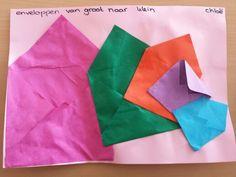 Enveloppen vouwen van groot naar klein.