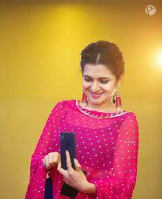 Punjabi Suits Party Wear, Indian Party Wear, Beautiful Suit, Beautiful Girl Indian, Punjabi Dress Design, Embroidery Suits Punjabi, Shadi Dresses, Punjabi Girls, Punjabi Fashion