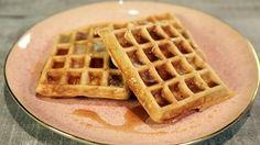 Cinnamon Pecan Waffles Recipe   The Chew - Clinton Kelly http://abc.go.com/shows/the-chew/recipes/cinnamon-pecan-waffles-clinton-kelly