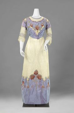 1910, France and the Netherlands - Dress by Anna Maria du Mée - Silk taffeta, lace, floss, metal thread, cotton, crêpe georgette