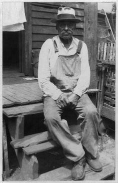 Born in Slavery:Slave Narratives from the Federal Writers'Project,1936-1938 contains more than 2,300 first-person accounts of slavery and 500 black-and-white photographs of former slaves. These narratives were collected in the 1930s as part of the Federal Writers'Project of the Works Progress Administration (WPA) and assembled and microfilmed in 1941 as the seventeen-volume Slave Narratives:A Folk History of Slavery in the United States from Interviews with Former Slaves.