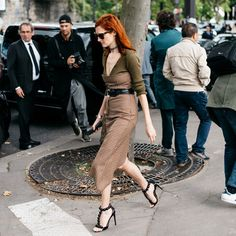 着こなしの新ルールはストリートから! パリコレのスタイルTIP集。|コレクション(ファッションショー)|VOGUE JAPAN