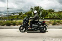 Yamaha X-Max 250 em Movimento