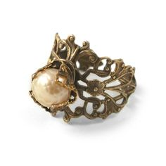 Tutorial - How to: Treasured Pearl Ring | Beadaholique  I MUST MAKE YOU!!!!!