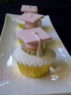 34 Ideas For Cupcakes Decoration Ideas Graduation Graduation Treats, Graduation Cupcakes, Graduation Party Decor, Iftar, Mini Cakes, Cupcake Cakes, Cupcakes Bonitos, Cake Paris, Yummy Cupcakes