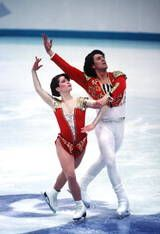 Olympic Pair Skating Gold Medalists: Natalia Mishkutenok and Artur Dmitriev - 1992 Olympic Pair Skating Champions Olympic Sports, Olympic Games, Kristi Yamaguchi, Viking Embroidery, 1992 Olympics, Ice Skaters, Ice Dance, Figure Skating Dresses, Beautiful Costumes