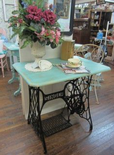 Transform Vintage sewing machine cabinet- to a cute table Redo Furniture, Decor, Painted Furniture, Sewing Table, Diy Furniture, Home Decor, Vintage Furniture, Creative Decor, Vintage Chic
