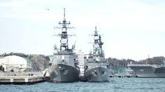 左:護衛艦いなづま 右:護衛艦うみぎり