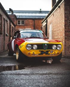 Alfa Gta, Alfa Romeo Gta, Alfa Romeo Giulia, Custom Muscle Cars, Old School Cars, Love Car, Car Manufacturers, Cars And Motorcycles, Vintage Cars