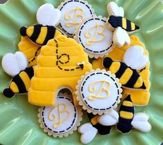 Items similar to 2 Dozen Bumble Bee Sugar Cookies on Etsy Bee Cookies, Royal Icing Cookies, Cupcake Cookies, Baby Reveal Cupcakes, Bee Party, Summer Cookies, Cookie Designs, Cookie Ideas, Bee Theme