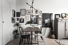 Home with a great art wall - via Coco Lapine Design// gallery wall inspiration, arrangements, styling, home decor for every part of the house, interior decorating