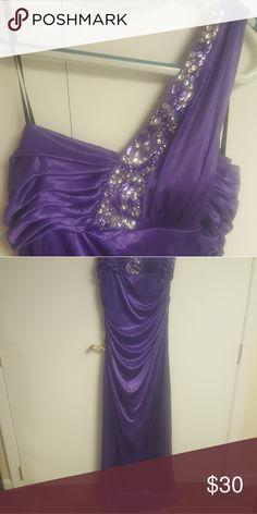 Purple prom drsss One shoulder, floor length, prom dress size xl Dresses Prom