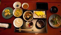 El menú tradicional japonés o ichiju san-sai