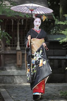 Kimika of Miyagawacho during Sakkou. Photography by Watanabe san on Flickr