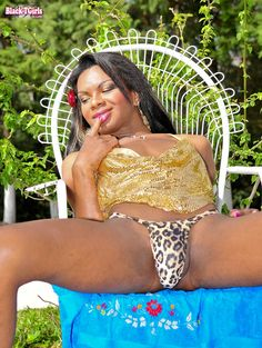 Gorgeous nubian transsexual beauty
