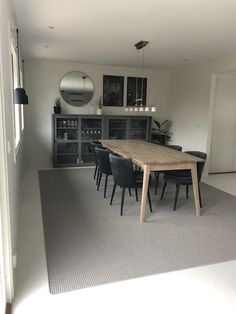 Vitrinskåp IKEA Decor, Dining Table, Ikea, Home, Dinning Room, Room, Interior, Inspiration, Dinning