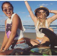 Kelia Moniz & Bruna Schmitz international surfers - style on point