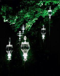 Jesouffl et Jallum sont des objets lumineux créés par Yann Kersalé, industrialisés et distribués par la manufacture Baccarat. Les deux …