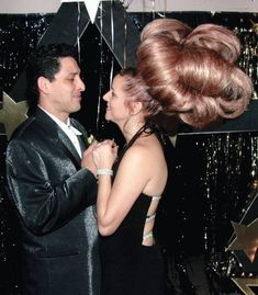 Impress Your Man with a Beautiful New Bouffant Hair Style - Epic Hairdo Fail ---- hilarious jokes funny pictures walmart humor fails Bad Hair Day, Big Hair, Your Hair, Fancy Hair, Pelo Vintage, Bouffant Hair, Vintage Hairstyles, Weird Hairstyles, Permed Hairstyles