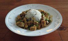 veganes Curry-Mango-Tofu in Erdnusssauce