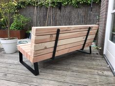 Why Teak Outdoor Garden Furniture? Pallet Furniture Headboard, Metal Patio Furniture, Garden Furniture, Diy Furniture, Living Room Furniture Layout, Garden Seating, Raised Garden Beds, Backyard Patio, Furniture Makeover