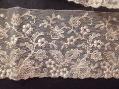 """ANTIQUE BRUSSELS LACE TRIM Blonde Raised Grapes Embroidery 84"""" 
