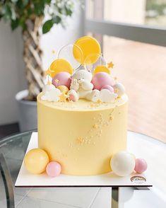 Cake Decorating Designs, Creative Cake Decorating, Cake Decorating Videos, Birthday Cake Decorating, Creative Cakes, Cake Designs, 1st Birthday Cake For Girls, Candy Birthday Cakes, Pretty Birthday Cakes
