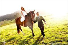 bride, groom with horse country-wedding