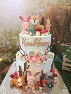 Birthday Party Cake Ideas for Boys - Woodland Cake Tutorial - The Hackster Birthday Party Cake Ideas for Boys - Woodland Cake Tutorial Soft toys Woodland Cake, Woodland Party, Cupcakes Decorados, Bolo Cake, First Birthday Cakes, Birthday Kids, Birthday Parties, Animal Cakes, Girl Cakes