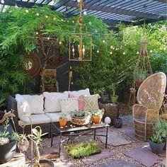patio garden Flower room design Canopy idea home design Patio Wall, Diy Patio, Backyard Patio, Outdoor Spaces, Outdoor Living, Outdoor Decor, Porches, Patio Design, Garden Design