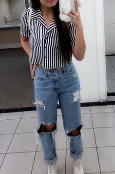 vintage. street style. pacsun. highwaisted boyfriend jeans. crop top. insta: alyzzavitug