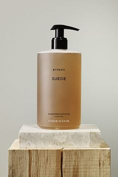 byredo home scents packaging — elevated essentials delivered quarterly @ minimalism. Skincare Packaging, Cosmetic Packaging, Beauty Packaging, Bottle Packaging, Print Packaging, Packaging Design, Product Packaging, Design Set, Packaging Inspiration