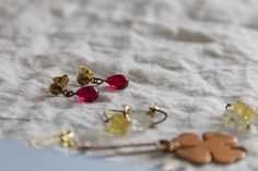 raspberry water, drop earrings in vintage glass and brass, mywhiteroom