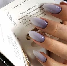 False nails have the advantage of offering a manicure worthy of the most advanced backstage and to hold longer than a simple nail polish. The problem is how to remove them without damaging your nails. Cute Nails, Pretty Nails, My Nails, Fall Nails, Summer Nails, Spring Nails, Prom Nails, Wedding Nails, Glitter Nails