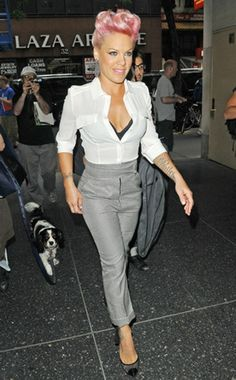 Damn! Pink looks so good! Today show in NYC.