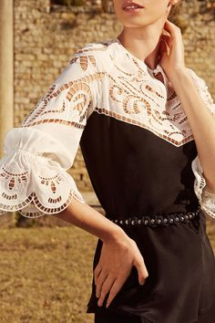 Macramé silk on the upper front side, back and sleeves in crepe de chine. Blouse with delicate white openwork embroidery, contrasting with the black silk. Lace Making, White Shirts, Black Silk, Classic Looks, Elegant Dresses, Looking For Women, Blouses For Women, Work Wear, Bell Sleeve Top