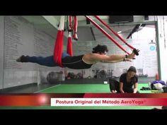 yogacreativo.com: Yoga Aéreo: Ejercicio Acrobático con Rafael Martinez durante los International Teacher Training
