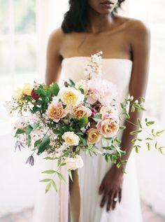 Free-form wedding bouquet: http://www.stylemepretty.com/2016/11/04/biggest-wedding-trends-of-2016/ Photography: Apryl Ann - http://aprylann.com/