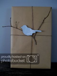 General Gift Wrapping gift wrapping with kraft paper. General Gift Wrapping gift wrapping with kraft paper. Present Wrapping, Creative Gift Wrapping, Creative Gifts, Paper Wrapping, Creative Cards, Christmas Gift Wrapping, Christmas Crafts, Christmas Trees, Craft Gifts