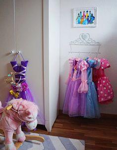 Kids dress up corner / princess dress up / diy dress up /