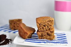 MN: Healthy cake from oatmeal. With yoghurt it is perfect breakfast. Healthy Cake, Healthy Sweets, Healthy Recipes, Perfect Breakfast, Blondies, Banana Bread, Nom Nom, Breakfast Recipes, Oatmeal