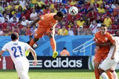 Avec enjeu la première place du groupe B, les Pays-Bas et le Chili se sont affrontés et c'est les Hollandais qui ont empoché les points de la victoire sur le score de 2-0.