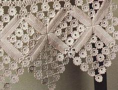Diy Crafts - Bedspread Crochet Pattern with Hexagon Motifs Filet Crochet, Form Crochet, Crochet Borders, Crochet Stitches Patterns, Irish Crochet, Crochet Designs, Diy Crafts Crochet, Crochet Home, Crochet Projects