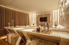 Casa Cor PR 2012 : Salas de estar modernas por Rolim de Moura Arquitetura e Interiores Double Vanity, Conference Room, Living Room, Mirror, Table, Furniture, Home Decor, Residential Architect, Design Ideas