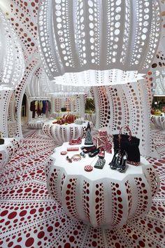 Selfridges: Louis Vuitton   Yayoi Kusama Concept Store